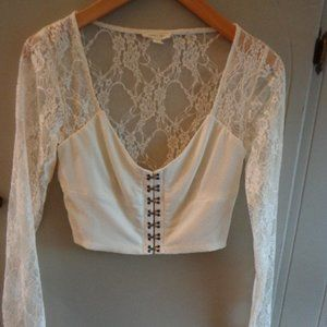 NWOT Anthropologie Silence + Noise Cropped Lace To